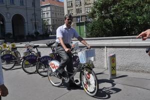 Primátor Milan Ftáčnik vo Viedni na bicykli