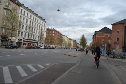 Hlavná cesta s cyklotrasou, vedľajšia cesta - Kodaň